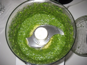Pesto in Cuisinart